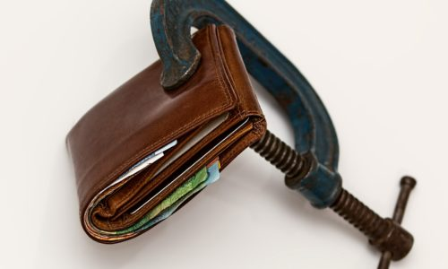 Wallet with a clamp on it